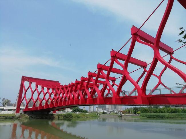 運河三湾風景区♪四角い筒をはさみでジョキジョキ切ってアコーディオンのように広げた剪影橋2019年6月中国 揚州・鎮江7泊8日(個人旅行)88