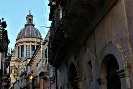 魅惑のシチリア×プーリア♪ Vol.351 ☆ラグーザ:黄昏の美しき旧市街 見え隠れするクーポラ♪
