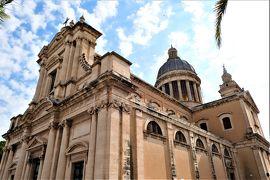 魅惑のシチリア×プーリア♪ Vol.357 ☆美しきコミゾ旧市街 クーポラの美しいバロック教会♪