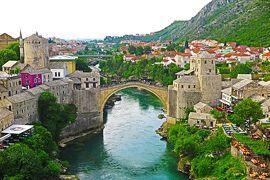 ボスニアヘルツェゴビナ・モスタル オスマントルコ時代をうかがう橋の町 -旧ユーゴの国を歩く6-