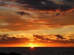 ハワイ島のきれいな夕陽と星空を眺めに出かけてきました(1日目の出国とコナ散策)