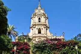 魅惑のシチリア×プーリア♪ Vol.385 ☆美しきモディカ旧市街 ブーゲンビリアの咲き乱れる美しい階段♪
