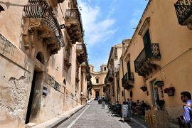 魅惑のシチリア×プーリア♪ Vol.420 ☆ノート:美しい階段やバロック装飾の景観♪