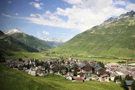 アルプス5大名峰と絶景列車の旅 6 クールからアンデルマットへ(スイスらしい景色を満喫した)