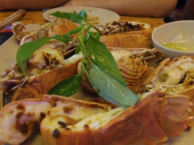 ホーチミン、フエに続き3度目のベトナム旅行は、憧れのフーコック島へ行ってきました。<br /><br />フーコック島では美味しい海の幸をいただくことができます。ナイトマーケットへ繰り出し、新鮮なエビを食べに行きました!