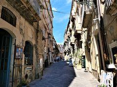 魅惑のシチリア×プーリア♪ Vol.431 ☆シラクーザ:カポディエチ通りは楽しいショッピング♪