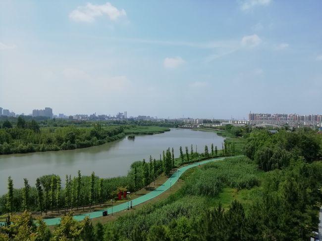高低差があり 流れが早くなるので わざわざ三回湾曲させたので運河三湾と名付けられている2019年6月中国 揚州・鎮江7泊8日(個人旅行)95