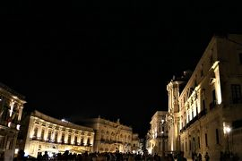 魅惑のシチリア×プーリア♪ Vol.442 ☆シラクーザ:夜景の美しいドゥオーモ広場♪