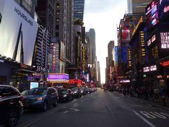 NYCを歩く。(5.9) 42丁目はいつもすごい雑踏。どこからこんなに人が来るのでしょう。