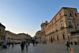 魅惑のシチリア×プーリア♪ Vol.455 ☆シラクーザ:黄昏のアレトゥーザ泉とドゥオーモ広場♪