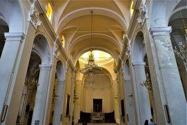 魅惑のシチリア×プーリア♪ Vol.477 ☆ランダッツォ:黒のサンニコラ教会の内部は白一色♪