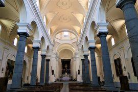 魅惑のシチリア×プーリア♪ Vol.482 ☆ランダッツォ:黒いサンマルティーノ教会 黒い溶岩柱♪