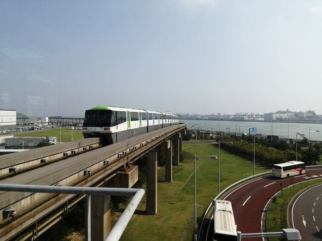 浜松町から羽田空港を結ぶ東京モノレール。天王洲アイル駅は、浜松町の次の駅ですが、浜松町から空港特快に乗ってしまうと、天王洲アイルには停車しません。天王洲アイルに行きたかったのに・・・。だから、旅行記にしました。