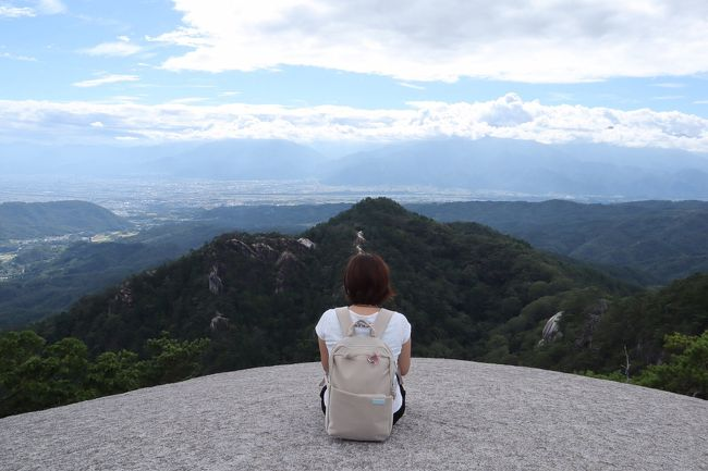 残暑、日帰りで山梨旅行へ行ってきました。<br />ハイキングで日頃の運動不足も解消しますよ!<br /><br />*基本情報*<br />旅行代金:12,000円ぐらい<br />旅行会社:個人手配<br />