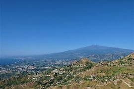魅惑のシチリア×プーリア♪ Vol.523 ☆美しき村カステルモーラ:古城跡から美しいエトナ山♪