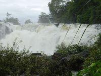 ラオス・パクセからタートロへ / ハンモックでのんびり昼寝+雨季の豪快すぎる滝にびびる