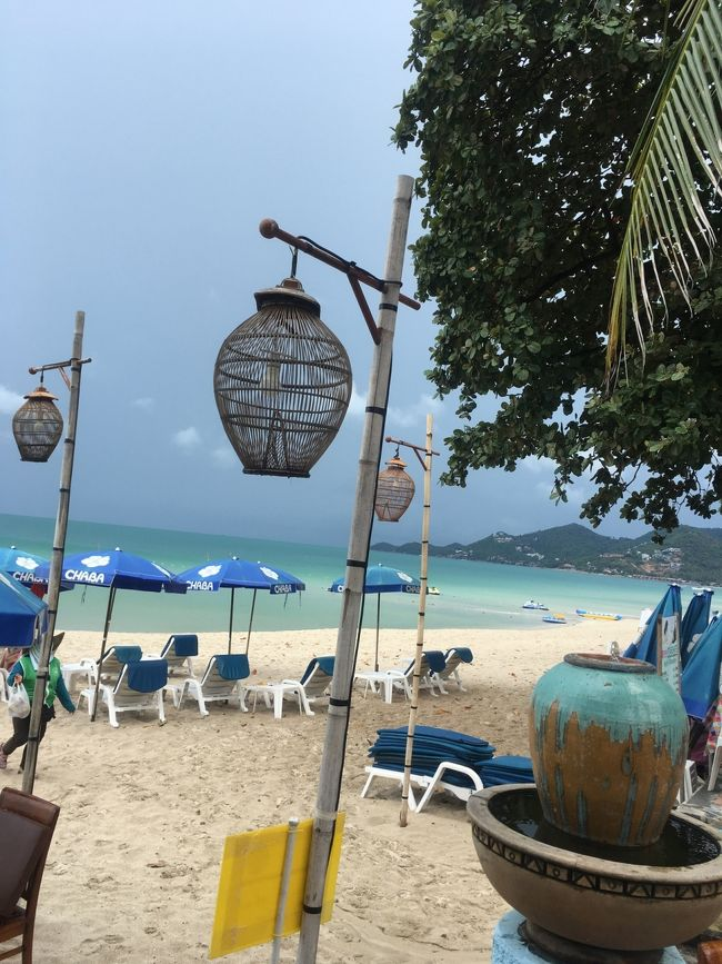 初タイランドのサムイ島。<br />夏に乾季のリゾートを安い順で検索すると、毎回脱落のサムイ島。<br />今年はサムイ島に決めて4月から探し始める。<br />するとGWに近づくにつれ価格が上昇。<br />旅工房にトンサンベイで申し込んだら、飛行機が満席。<br />HISに空席を見つけ申し込む。<br />ホテルは候補になかったチャバサムイ。<br />口コミも少ないけど、後がないのでちょっと冒険。<br /><br />羽田空港 02:25<br />シンガポール経由<br />サムイ島着 11:05<br /><br />チャバサムイホテル 3泊<br />1日目 買い物、プールでまったり<br />2日目 マッサージ プールでまったり<br />3日目 タオ・ナンユアン島シュノーケリング<br />4日目 帰国<br /><br />サムイ島発 9:55<br />シンガポール経由<br />羽田空港着  21:50