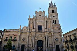 魅惑のシチリア×プーリア♪ Vol.536 ☆美しき町アチレアーレ バロックの美しいサンピエトロ教会♪