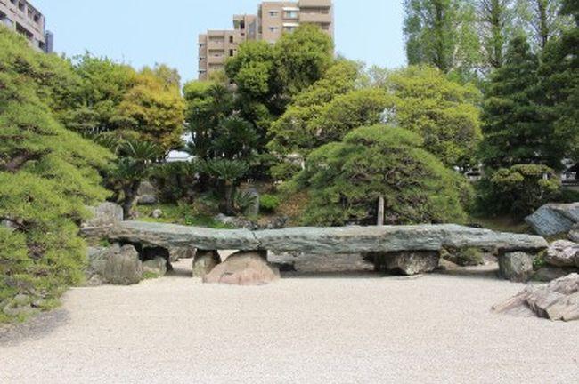 【名庭をたずねて】『日本の十大庭園』の本をガイドに、庭園をまわるライフワーク録です^^<br />*******************************<br /><br />友が徳島に引っ越したことをきっかけに、青石を満喫する2泊3日のひとり旅。Day1 は、大名庭園、阿波踊り会館など。