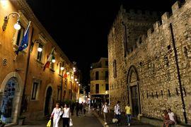 魅惑のシチリア×プーリア♪ Vol.562 ☆タオルミーナ:夜景のメインストリート 驚きの火山ニュース♪