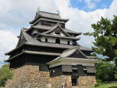 初秋の山陰めぐり(6)現存12天守の松江城は優美な姿から千鳥城とも呼ばれ63年ぶりの国宝指定