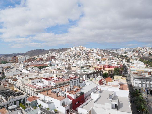 3連休を2つつなげて1週間ちょい旅行にしました。<br /><br />アルジェリアに行き、そこからモーリタニアに行き。<br />ここからいきなりヨーロッパ。<br />カナリア諸島に寄りました。<br />スペイン領なので初スペイン。<br />本土はそのうち踏みます!<br /><br />この日記では☆の部分を書いています。<br /><br /><br />9/13 NRT-<br />9/14 DOH-ALG、ガルダイアへ移動<br />9/15 ガルダイア観光<br />9/16 ガルダイアからアルジェへ、アルジェ観光、ALG-NKC<br />9/17 ヌアクショット<br />9/18 ヌアクショット→ヌアディブ<br />☆9/19 NDB-LPA、グランカナリア観光<br />☆9/20 グランカナリア観光、LPA-EUN<br />9/21 西サハラちょっとだけ観光して、EUN-CMN、カサブランカ観光<br />9/22 カサブランカ観光、CMN-DOH<br />9/23 DOH-NRT<br /><br />ヌアディブからのルートを探してた時にたまたま見つけたヌアディブからグランカナリアへのフライト。<br />これは面白いなと思って思わずポチリ。<br />そんな具合で買ったから期待感は普通だったんだけど、行ってみたらここがめちゃくちゃ良いところ!<br />スペイン行ったことないけど、ここでまさかのスペイン体験まで!<br />とても楽しんじゃいました。<br />こんな快適じゃ、このあとアフリカ戻れるかしら。。。と心配したぐらいw(実際平気だったけど)。<br /><br /><br />【グランカナリアのビザ】<br />スペインなのでヨーロッパ扱い。もちろん日本人はいりません。<br /><br />【グランカナリアのお金】<br />もちろんユーロ!<br /><br />【ガイドブック】<br />ロンプラ。Canary Island編がある。<br />写真があまりないから想像がつかなかった、でも逆に楽しさが倍増したのでよかった!
