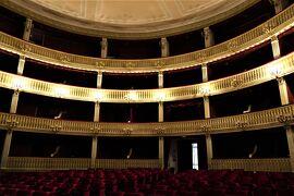 魅惑のシチリア×プーリア♪ Vol.603 ☆コゼンツァ旧市街:美しい劇場 Teatro Alfonso Rendano♪