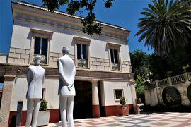 魅惑のシチリア×プーリア♪ Vol.607 ☆コゼンツァ旧市街:リストランテ前の広場はアート♪