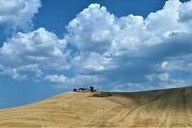 魅惑のシチリア×プーリア♪ Vol.609 ☆海辺の古城や美しい麦畑を眺めながらマテーラへ♪