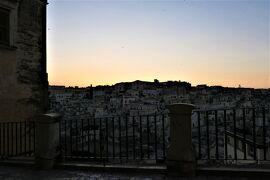 魅惑のシチリア×プーリア♪ Vol.613 ☆マテーラ:黄昏の美しい風景を歩く♪