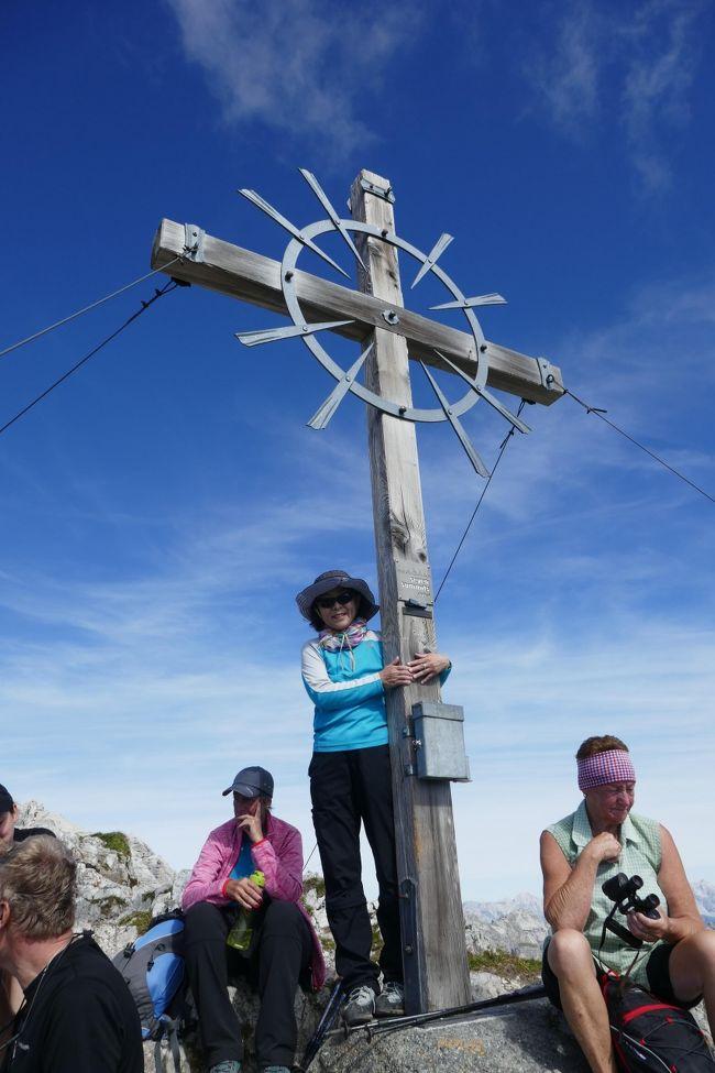 9月14日  晴れ<br />スチューバイタールで今年はセブンサミットのいくつかの山に挑戦する予定です。今日は去年も登ったので最初に選んだHoherBurgstall!!<br />良い天気に恵まれて気持ちも最高~~<br /><br /><br />9月 9日   関空→ミュンヘン            <br />9月10日   Berchtesgaden Jennerbahn ベルヒテスガーデン泊 <br />9月11日   KonigsSee & ラムサウ教会  ベルヒテスガーデン泊<br />9月12日   イーグルネスト&Dokumentation Obersalzberg見学&HinterSee→ラムサウ教会ハイキング  ベルヒテスガーデン泊<br />9月13日   Berchtesgaden→ノイシュティフトNederへ移動日 ノイシュティフト泊<br />9月14日 〇 HoherBurgstall登頂&SchllckerScharte&Seejohl近くまで ノイシュティフト泊<br />9月15日   Top of Tyrol&SERLES  ノイシュティフト泊<br />9月16日   ELFER登頂        ノイシュティフト泊<br />9月17日   ブレンナーへ買い出し   ノイシュティフト泊<br />9月18日   クーロンラーゴ見学    ノイシュティフト泊<br />9月19日   SERLES登頂       ノイシュティフト泊 <br />9月20日   MarlaWaldrast&インフォ ノイシュティフト泊<br />9月21日   牛追い祭り、ムッターベルグ  ノイシュティフト泊<br />9月22日   RinnenSee        ノイシュティフト泊<br />9月23日   氷河見学&インスブルック買い出し ノイシュティフト泊<br />9月24日   NidererBurgsutall登頂&SCHLICK2000山歩き ノイシュティフト泊<br />9月25日   ミュンヘン空港に移動     ミュンヘン空港近く泊<br />9月26日   ミュンヘン空港出発<br />9月27日   関空到着