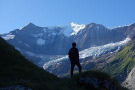 憧れのスイスアルプス5連泊【4】 氷河に近付く崖っぷちベーレック小屋ハイキング!!