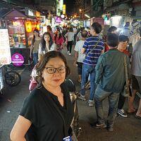 トラピックスの「WE LOVE 台湾大周遊5日間」(1)成田からキャセイで台北へ入り桃園観光夜市を楽しむ。