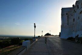 魅惑のシチリア×プーリア♪ Vol.662 ☆オストゥーニ城壁の朝散歩:白いラピュタはゆっくりと目が覚める♪