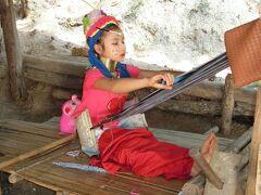 寒い時は暖かい国に行こう。初めてのタイ旅行 12 少数民族カレン族(首長族)の村に行ってみた