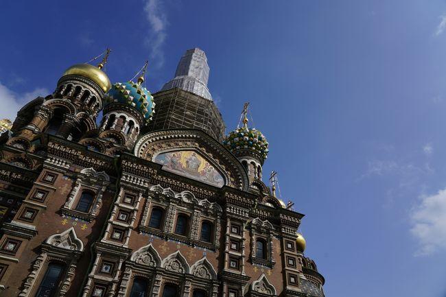 2019年夏,ロシアに行ってきました! ロシア独特の文化で彩られた美しき都をじっくりとめぐります。<br /><br />【5日目】<br />サンクトペテルブルクを象徴する3つの聖堂をめぐります。街の中心にある「カザン大聖堂」と「ハリストス復活大聖堂(血の上の救世主教会)」を訪れた後は,ネヴァ川の対岸にある「ペトロパヴロフスク聖堂」に向かいます。