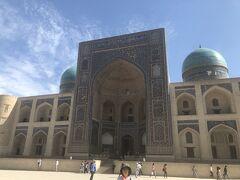 蒼の世界に浸るウズベキスタンの旅  4日目の2 ブハラの2