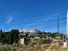 魅惑のシチリア×プーリア♪ Vol.737 ☆夏のトゥルッリ風景とロコロトンドを眺めながら♪