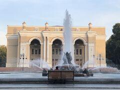 蒼の世界に浸るウズベキスタンの旅 7日目の2 タシケントの2 ウズベキスタン歴史博物館・ナヴォイ劇場