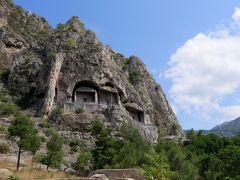 2019.8トルコの知人を訪ねる22-Pontus王国 紀元前2-3世紀の岩窟墳墓
