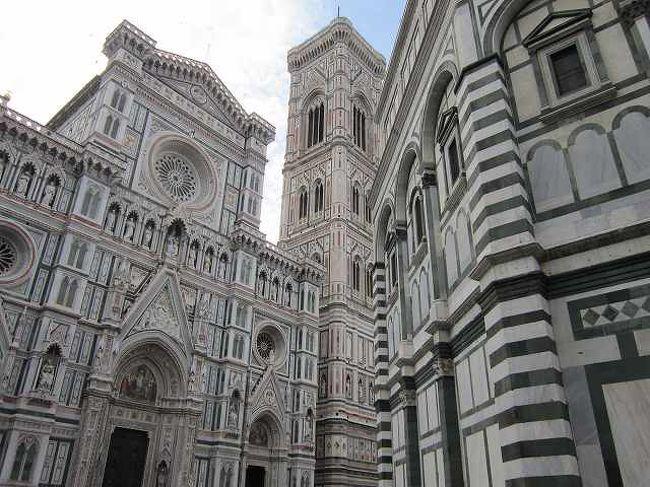 7月6日(土)ミラノ中央駅からフィレンツェに向かう。<br />フィレンツェで2泊して、ピサ、フィレンツェの街歩きを楽しみました。<br />山歩きと違い、気ままに歩いたので、写真などもあまり撮らず、記録も<br />あまりとらなかったので、ちょっとルーズな旅行記です。<br />