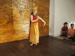 ナイトマーケットと民俗舞踊、ルアンパバーン