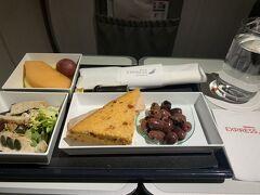 イベリア航空ビジネスクラスで行くアイスランド。 ロスバゲ最悪。。