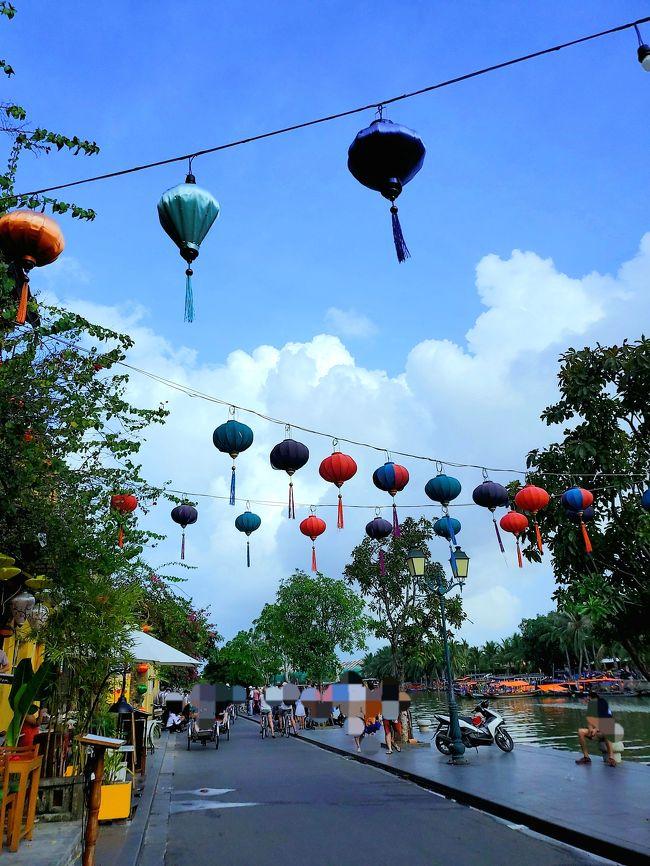 雨季かつ台風シーズンに不安を抱えつつ飛び立った初のベトナム中部旅行。<br />2日目はミーソン遺跡へのツアーに参加しました!<br />日本でチェックしていた天気予報(豪雨)もなんのその、真夏のような日差しの中、カフェへ川へバインミーへと歩きに歩いたホイアン最終日。