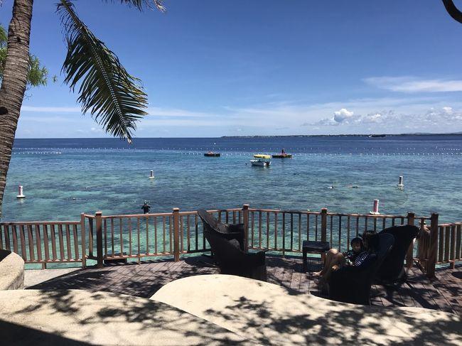 3月に4泊5日でセブ島にいってきました<br /><br />日程: 3/20-3/24 2017<br />場所: セブ マクタン島<br />ホテル:シャングリラ マクタン リゾート<br />お部屋:ファミリールーム<br />飛行機:フィリピン航空(プレエコ)<br />予算: 40万~(フライト19万、ホテル21万)<br /><br />初めて海外でほとんどどこもでかけずホテルですごすというのをしてみましたが、ワガママ王子2人連れにはぴったりのホテル&amp;プランでした