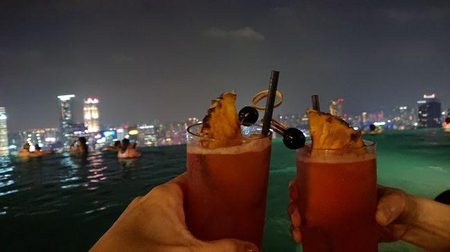 シンガポール旅行も終盤。<br />なんで楽しい時間って早く過ぎ去ってしまうのか<br />プールと街歩きと酒とまたプール…ある意味マリーナベイサンズを満喫しました。