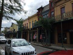 アラバマ州 モービル ー ドーフィン ストリートはフランス様式