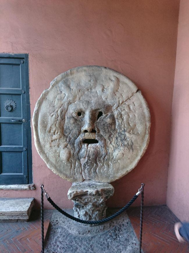 Rome! By all means, Rome. I will cherish my visit here in memory as long as I live. オードリー・ヘップバーンの「ローマの休日」でアン王女の言葉です。今回はローマの休日での場面を思い出しながらの一人旅です。ツアーではなく、バス、電車での移動は不安ですが、時間に制限されずとても楽しいのでみなさんの参考になればと思います。
