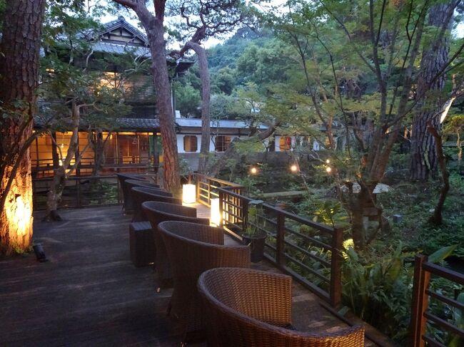 その昔、夏目漱石が胃潰瘍の治療のため菊屋で湯治をしていたそうです。<br />今は共立リゾートが経営しています。