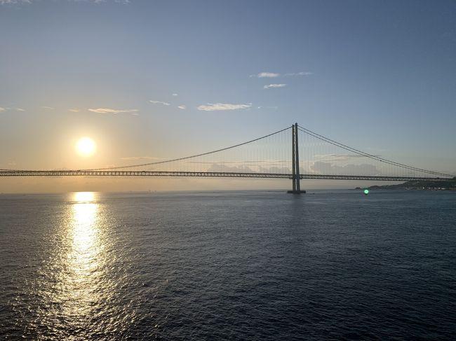 大阪港~名門大洋フェリー~新門司港~門司港でレンタカー~唐戸市場~角島~元隅稲荷神社~門司港~新門司港~阪九フェリー~神戸港~御影<br /><br />お船の旅は安くて、旅行感があるので楽しいです。<br />2泊3日の着替えを持参しますが、現地滞在は朝から晩までです。<br />瀬戸内海はあまり揺れないので乗り物に弱い私でも(薬を飲んだら)全然酔いません。<br />絶景は求めてましたが、お天気に恵まれず残念な感じでした。